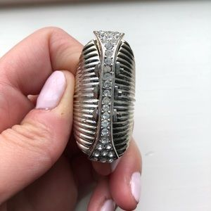 Express Jewelry - Silver & rhinestone long banded knuckle ring